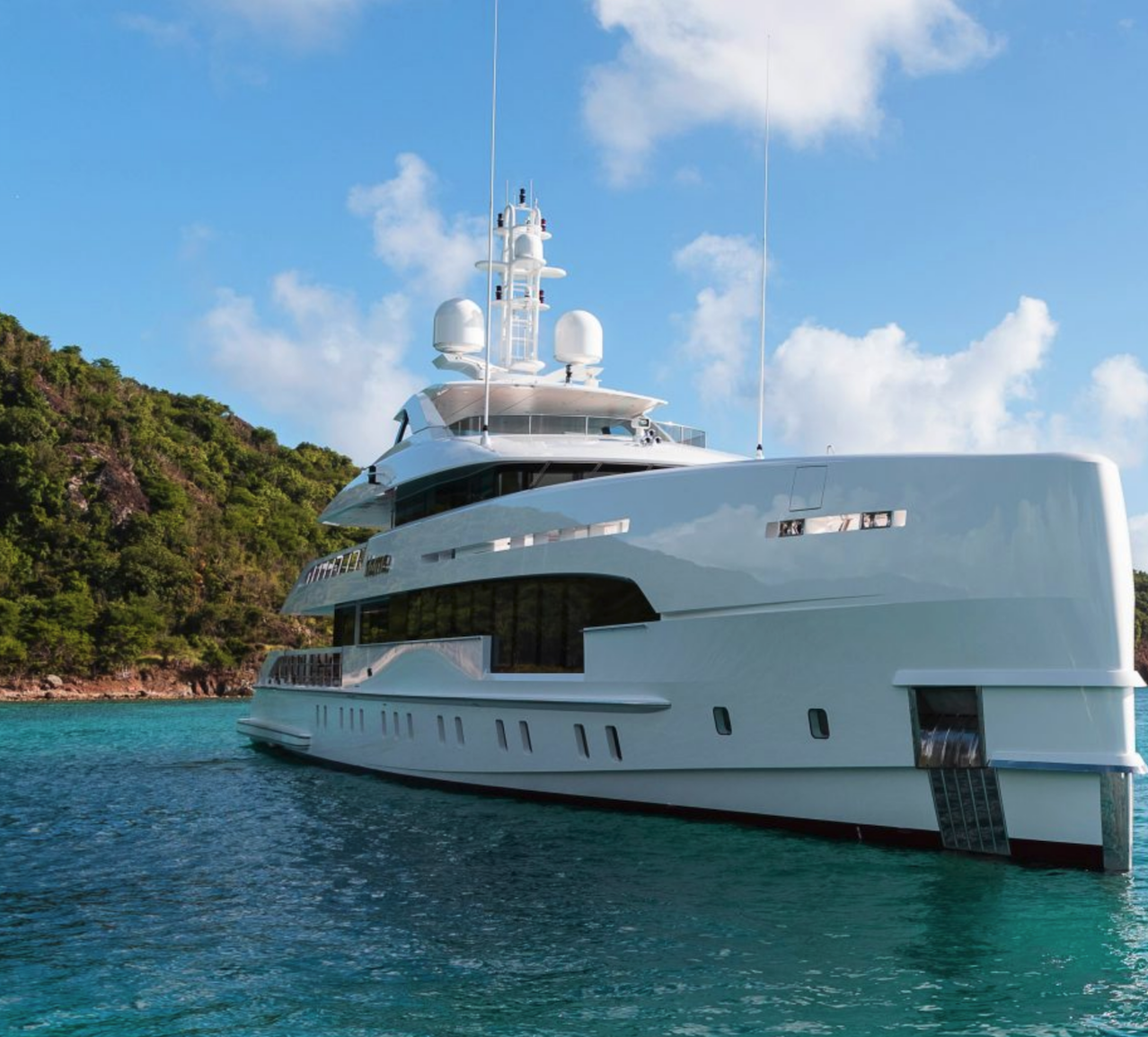 Ultra-Marine-Super-Yacht-Charter-digital-marketing
